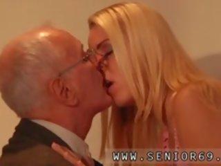 Chudá MILF sex videá